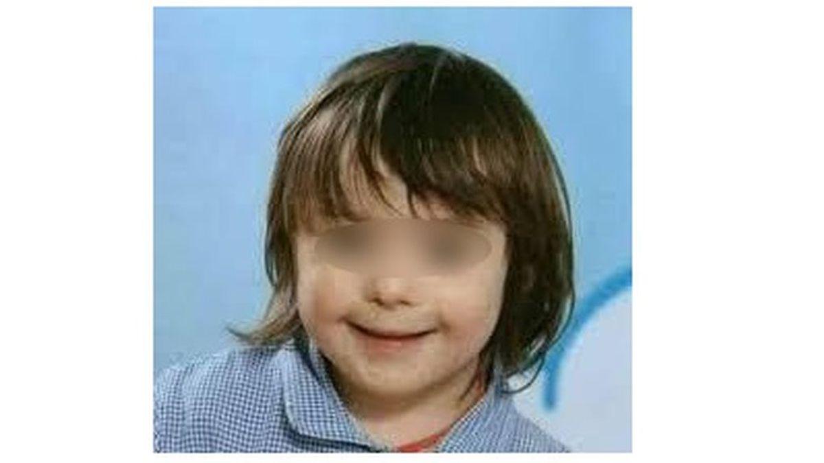 Arresto domiciliario para un padre por matar a su hijo de 7 años con síndrome de Down tirándolo por el balcón