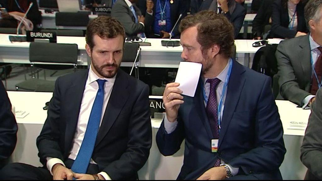Cacado habla con Espinosa durante la COP25