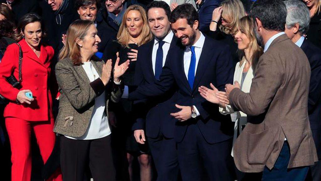 Casado ofrece a Vox y Ciudadanos entrar en la mesa del Congreso si primero negocia con el PP