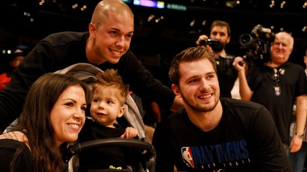Luka Doncic conoció a Kris, el niño al que le ayudó a recaudar 2 millones de dólares para su enfermedad