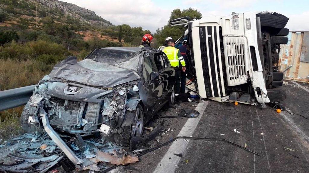 Más de 1.000 muertos en carretera; la DGT pide precaución
