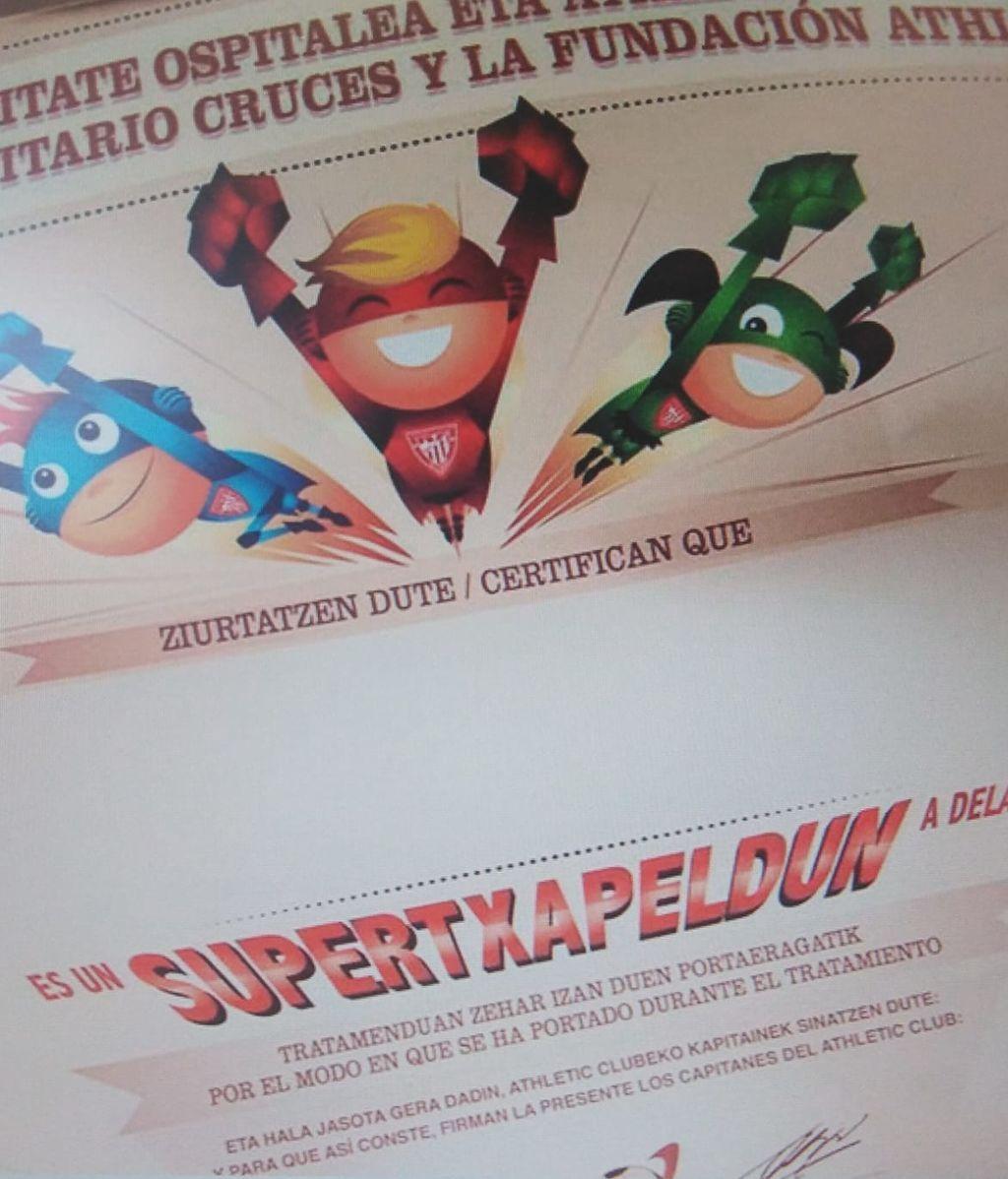 Diploma de supercampoenes que entrega el Athletic a niños enfermos
