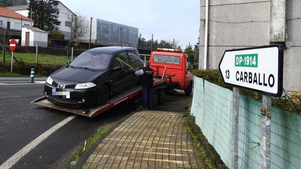 El coche fue retirado en una grúa y llevado directamente a un desguace