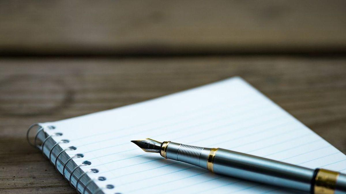 Una niña de 8 años sigue las pistas de una nota y encuentra a sus padres muertos