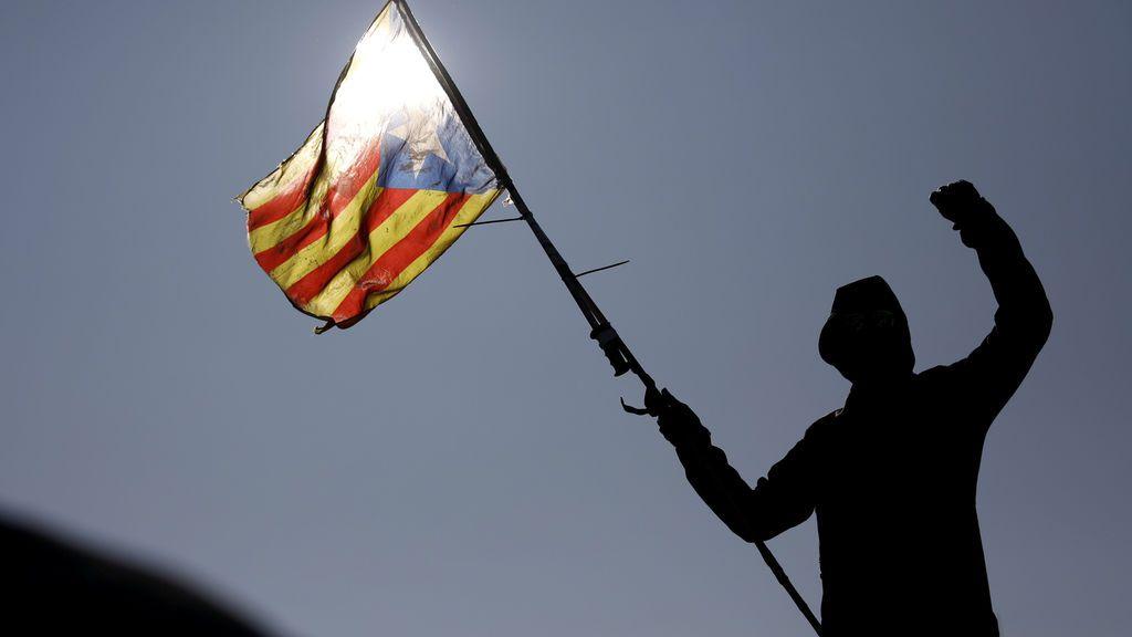 Diez mil manifestantes y entradas para el Clásico: Tsunami Democràtic se prepara para reventar desde dentro el Barça – Real Madrid