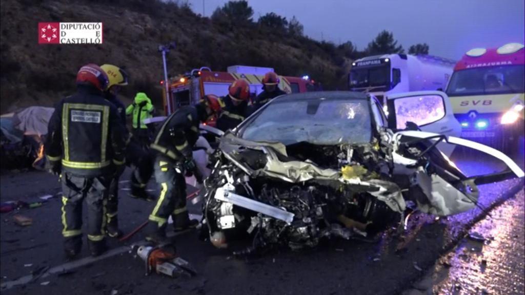 Tres muertos y dos heridos en un accidente de coche en Castellón