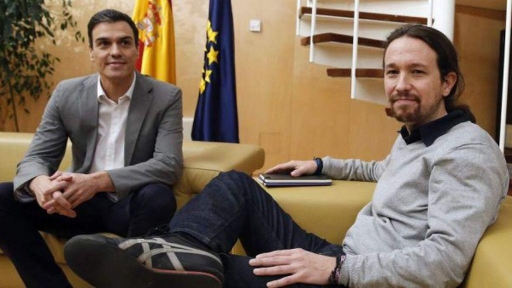 Sánchez e Iglesias se reúnen para abordar la investidura del socialista