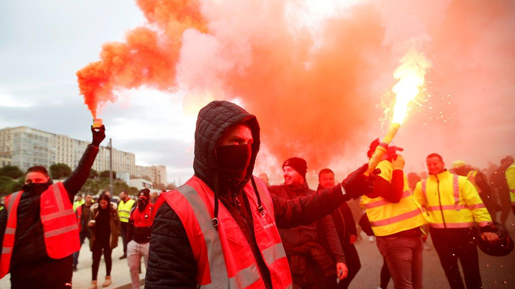Huelga general en Francia: hasta la Torre Eiffel echa el cierre