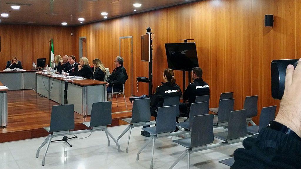 Condenado a 23 años de cárcel por asesinar con más de 100 puñaladas a su pareja en Málaga