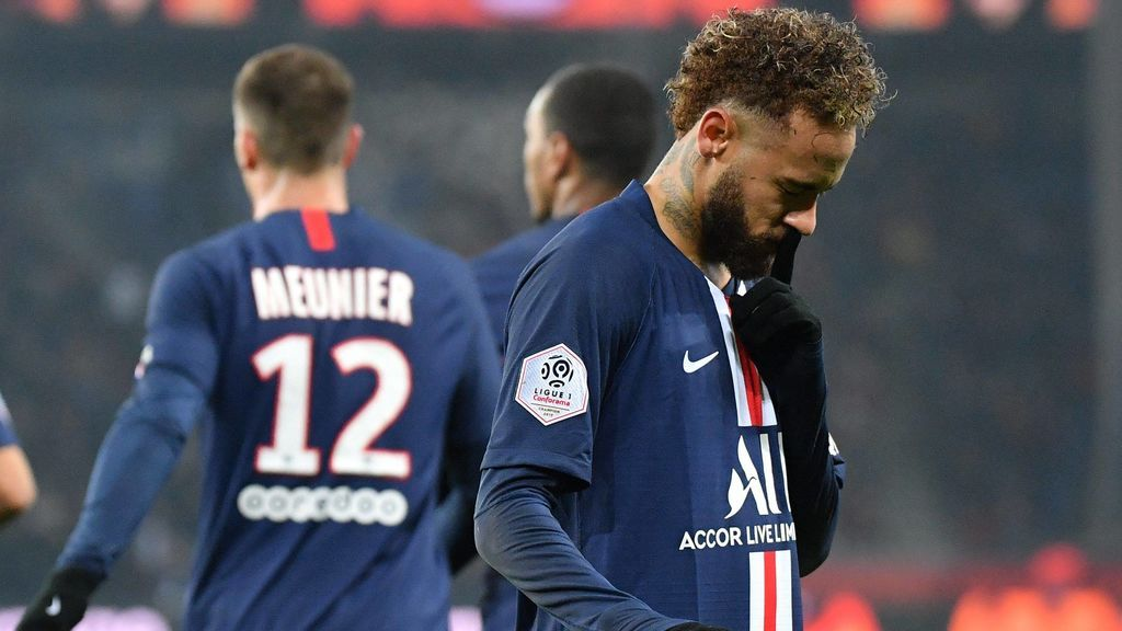 """Neymar manda callar a la afición del PSG y explotan contra él: """"Fuera de París"""""""