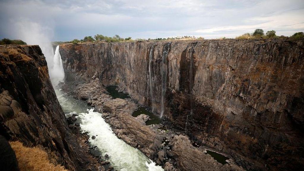 El cambio climático es una realidad: Las cataratas Victoria se quedan secas