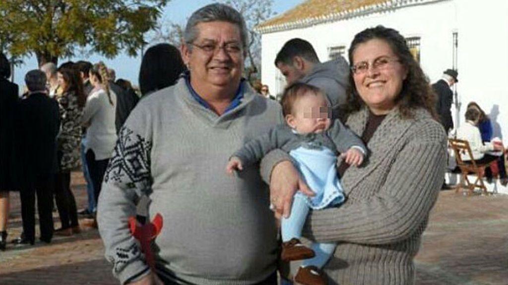 Hacienda reclama 5.000 euros en impuestos por la casa que recibieron  de su madre asesinada por su marido