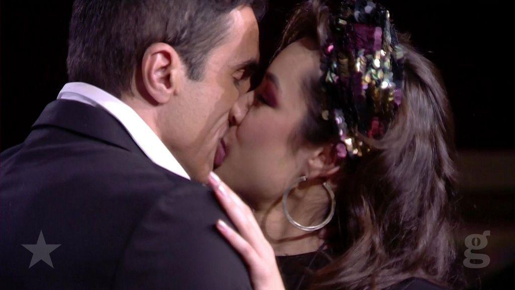 Beso con Hugo, y con Gianmarco indiferencia