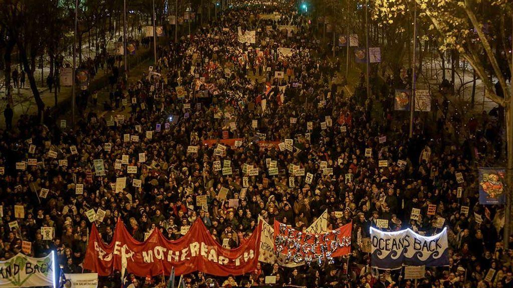 Greta Thunberg protagoniza una multitudinaria Marcha del Clima en Madrid