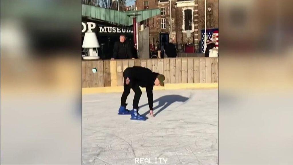 De Jong, en el centro de la polémica tras subir un vídeo patinando en una pista de hielo