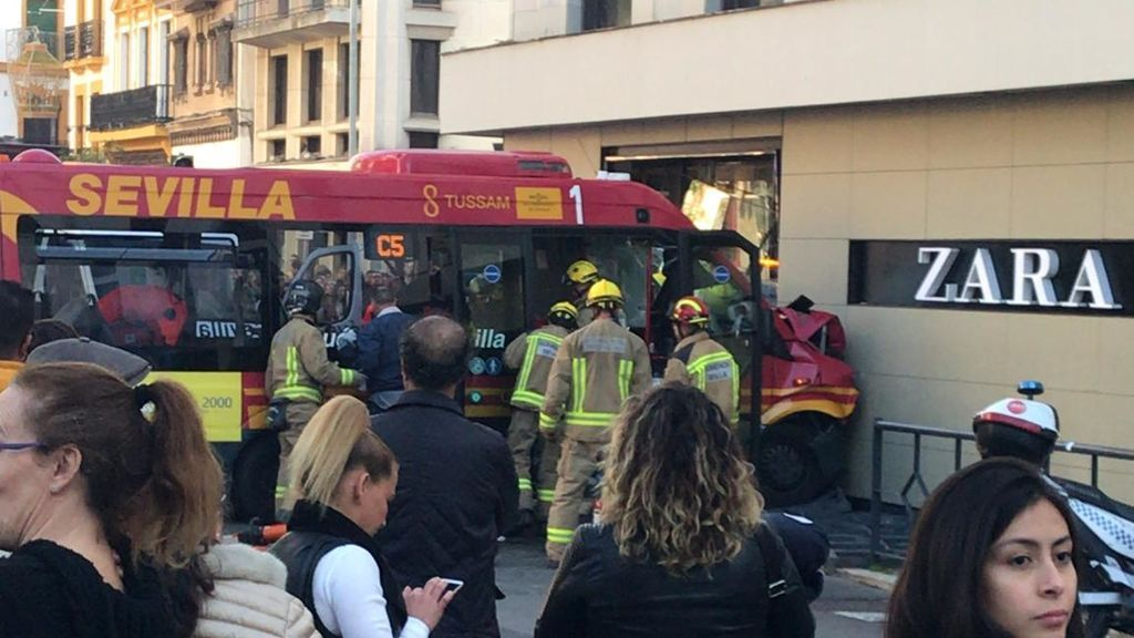 accidente sevilla autobus
