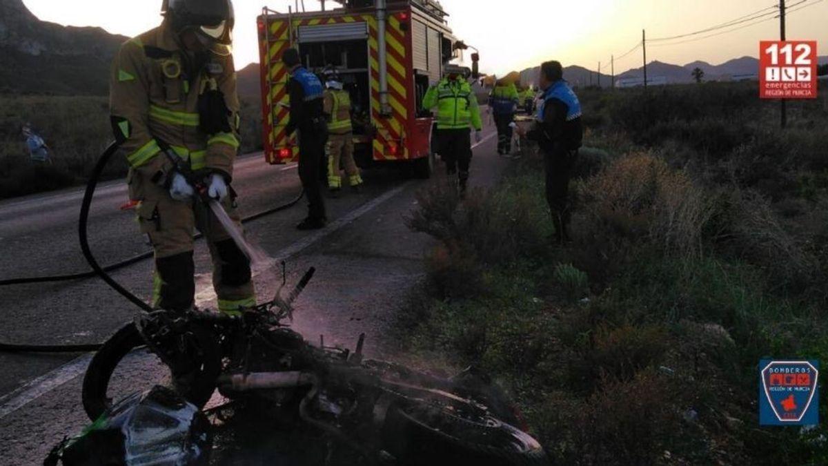 Un joven de 20 años fallece en un accidente entre una moto y un turismo en Murcia