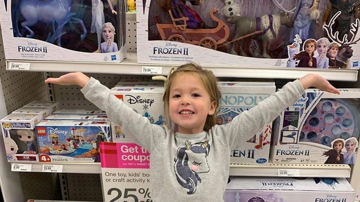 El infalible truco de una madre para que los niños dejen de pedir todos los juguetes que ven por Navidad