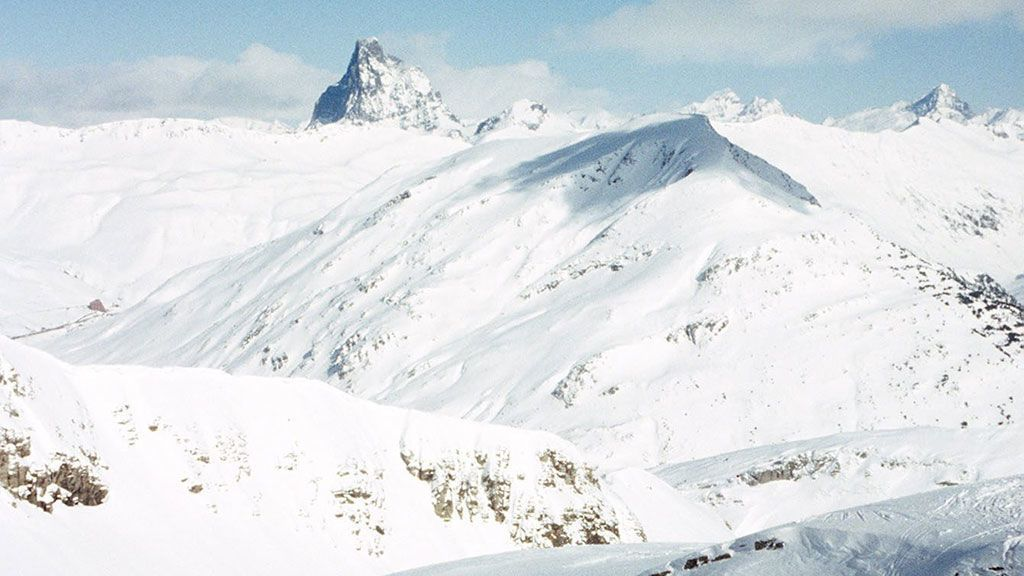 Muere un esquiador al caer 200 metros por un barranco en Huesca