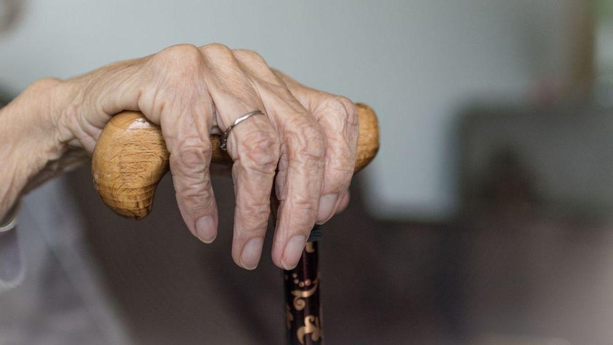 Tira al suelo a una anciana para robarle el bolso en Zaragoza