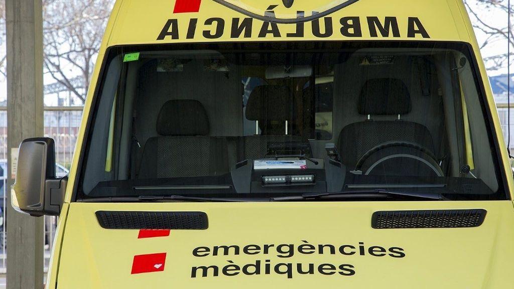 Muere un hombre al caer de un puente tras ser golpeado por un tren en Garcia (Tarragona)