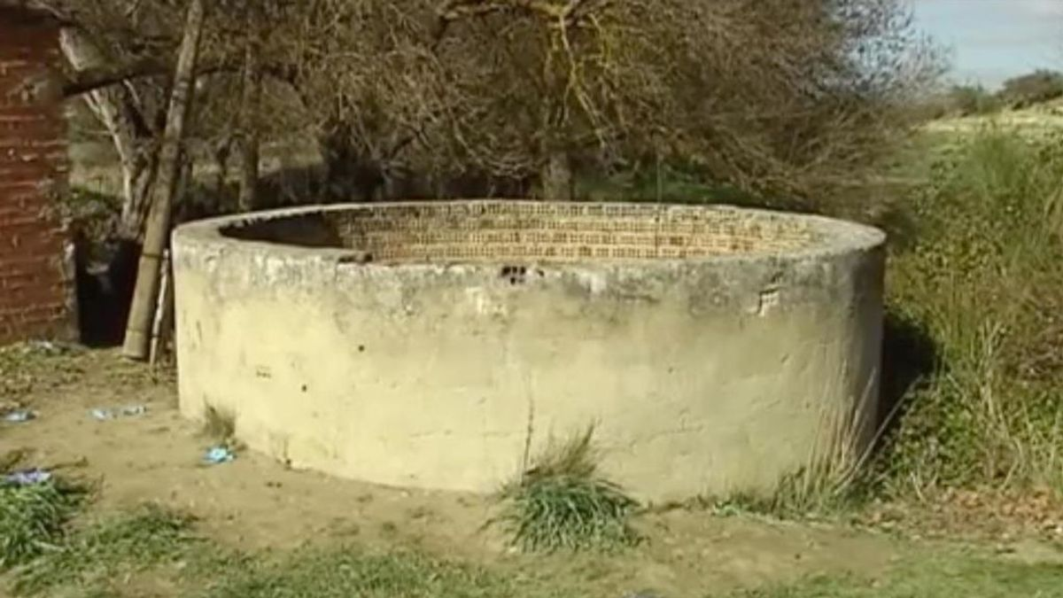 Rescatan a una menor de 13 años que había caído dentro de un pozo en Cádiz