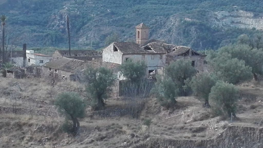 Se vende aldea abandonada en Granada por cuatro millones de euros