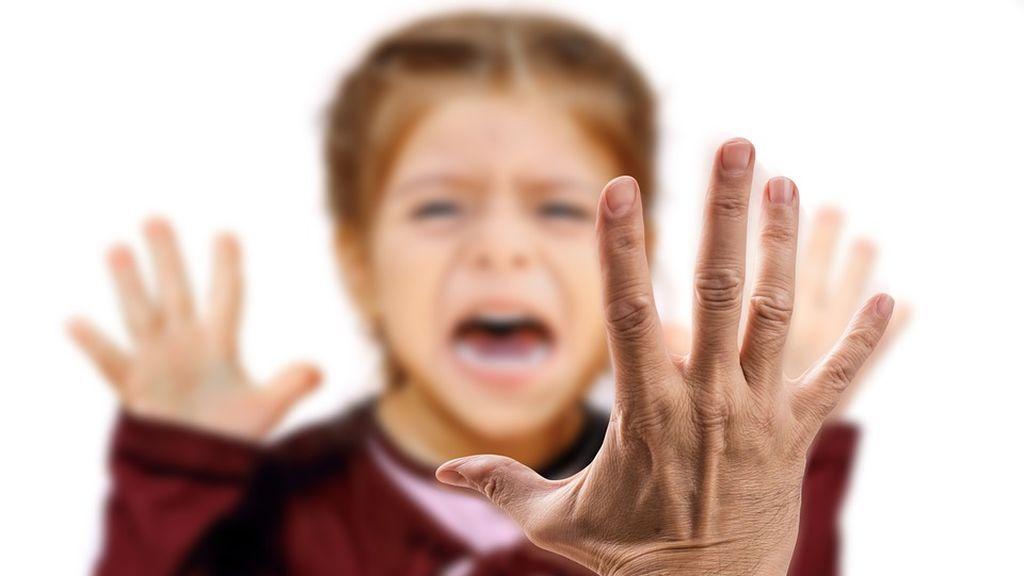 Al calabozo por darle una bofetada a su hijo de 14 años que le llevaba años amenazando de muerte