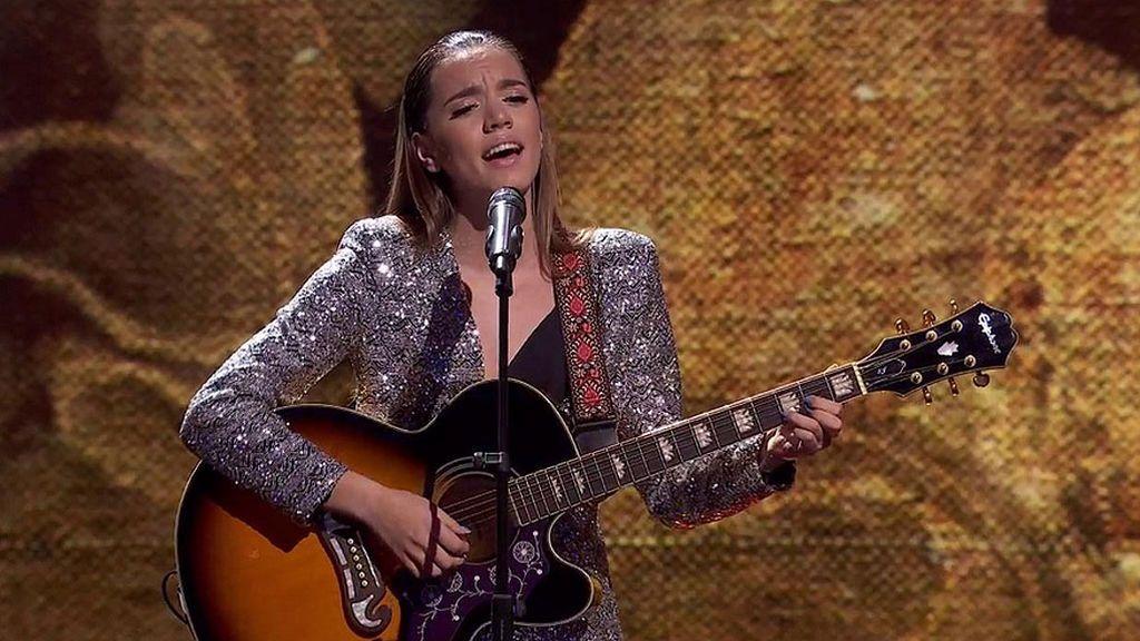 Paz Padilla se emociona con la preciosa canción que Julia González dedica a sus familiares