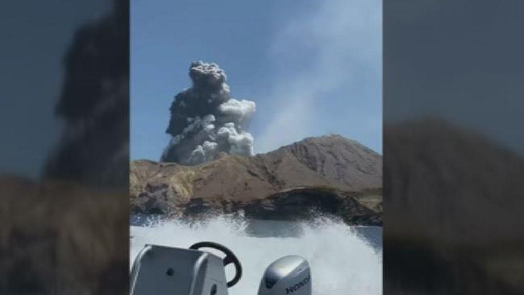 """Los supervivientes de la erupción del volcán en Nueva Zelanda: """"Hemos vivido lo que nunca esperas vivir"""""""