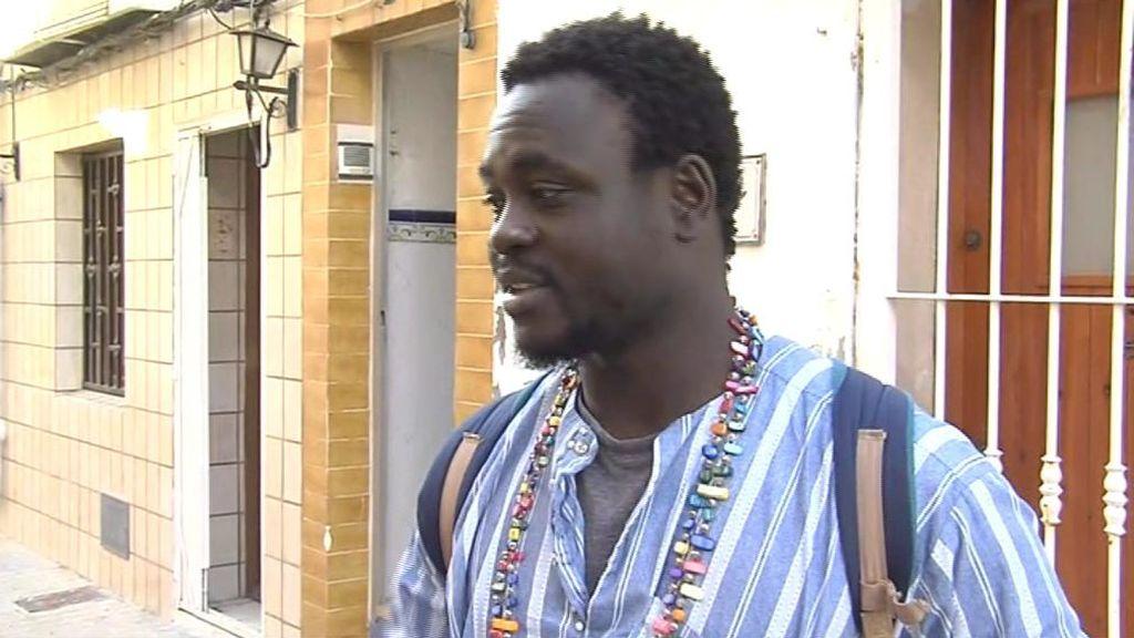 """""""Lo hice con el corazón"""", asegura el senegalés que arriesgó su vida para salvar a otro hombrec"""