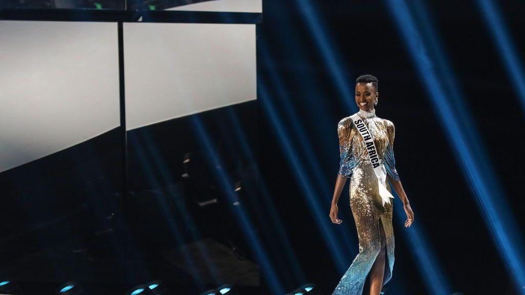 La elegancia de la nueva Miss Universo
