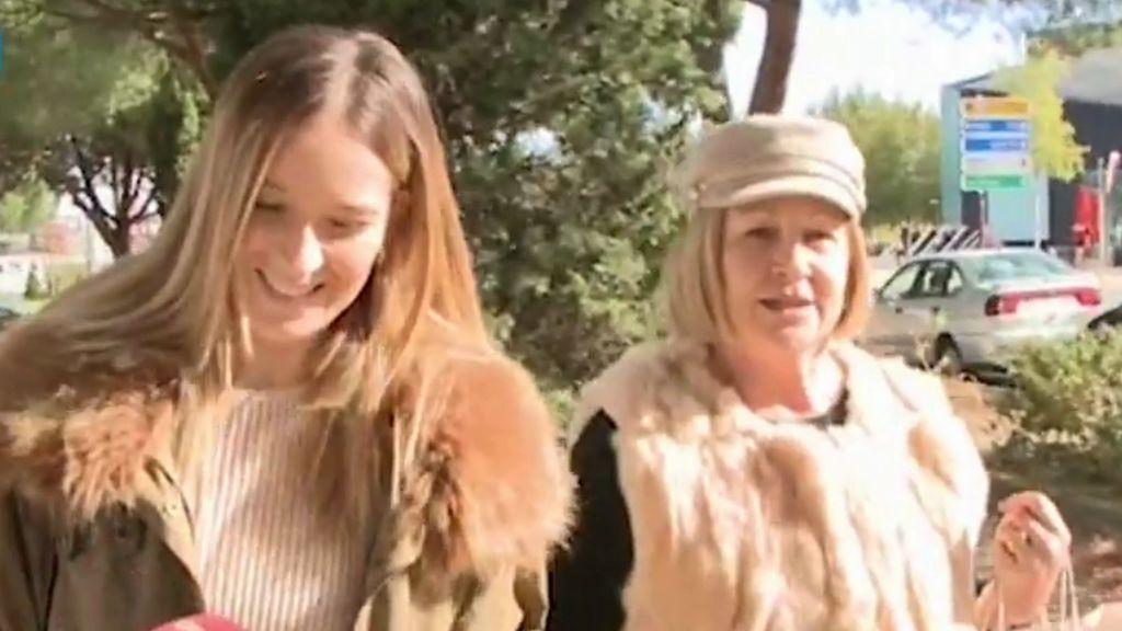 """Yana Olina y la madre de David Bustamante, juntas de compras: """"Veo a mi hijo feliz"""""""