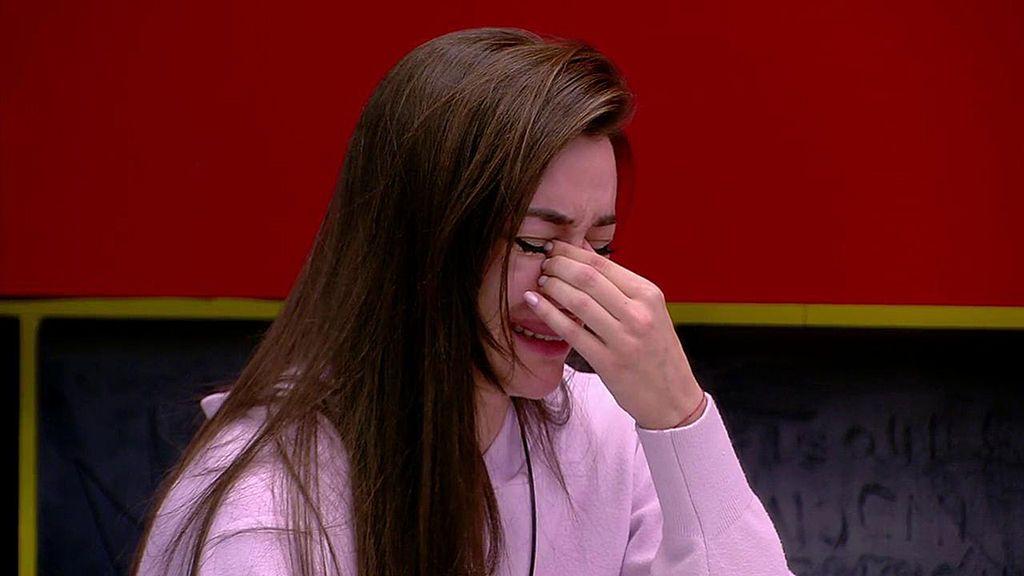 """Adara se rompe hablando de sus problemas sexuales con Hugo Sierra: """"Me sentía muy fea y no había manera de gustarle"""""""