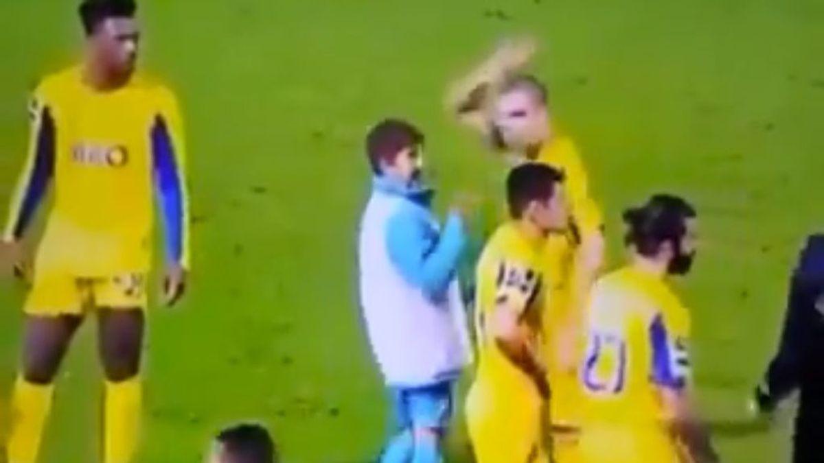 Pepe vuelve a perder los papeles: se niega a saludar a un niño recogepelotas tras el partido