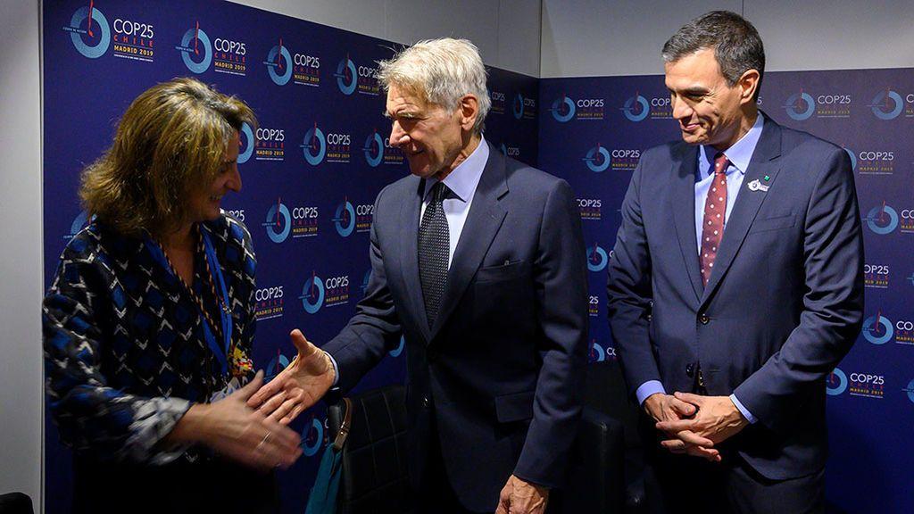 El Gobierno se exhibe en la Cumbre del Clima, pero se encierra en su silencio sobre la cumbre de la investidura