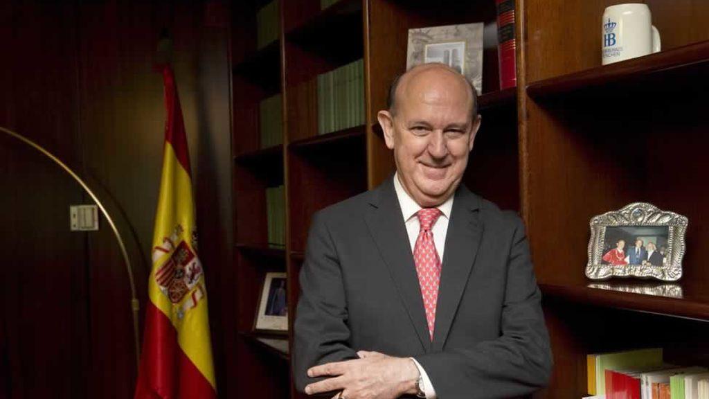 Los jueces del Constitucional apartan temporalmente a su compañero Andrés Ollero de las deliberaciones sobre Cataluña