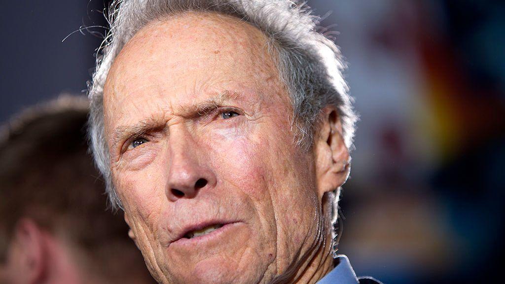 """Clint  Eastwood se defiende de la furia mediática por """"machismo"""" en su nueva película"""