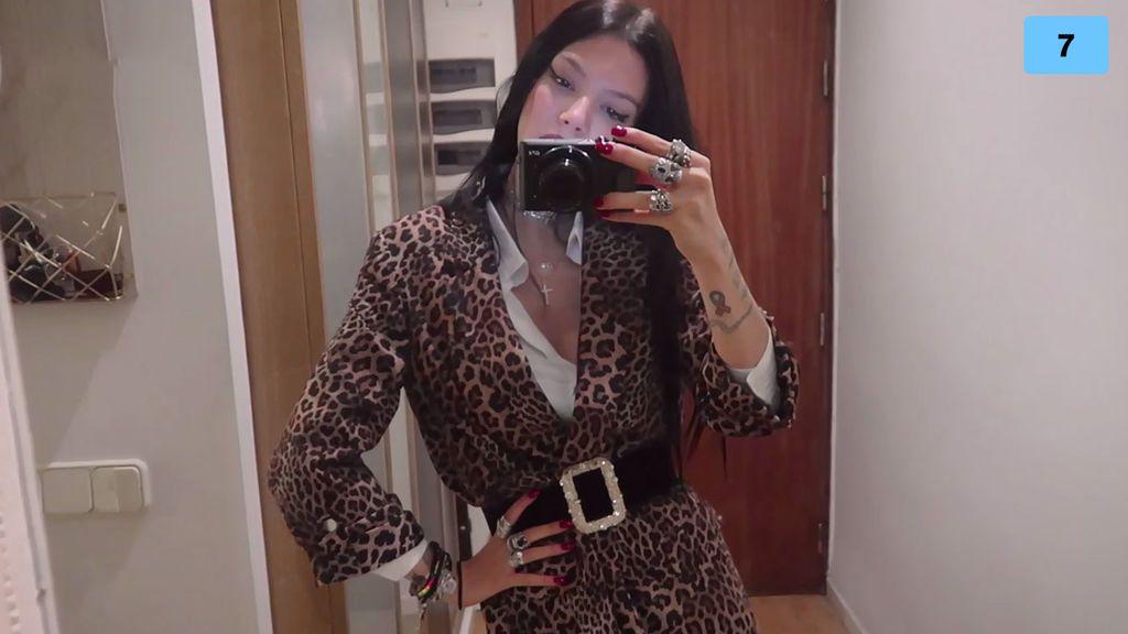 Minifalda, brillos y plataformas de infarto: Alejandra enseña sus looks para Navidad (2/2)