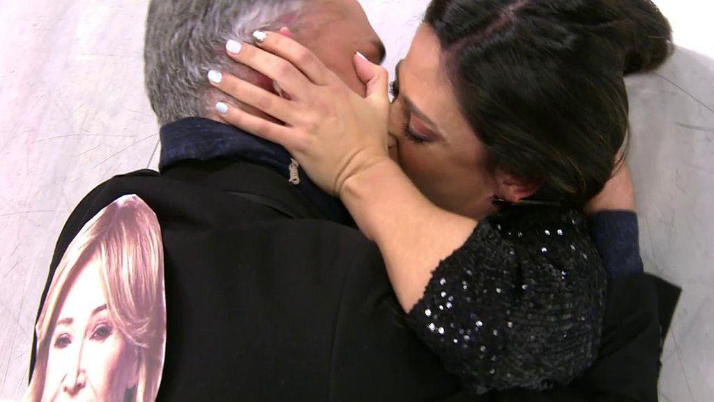 El 'morreo' de Kiko Hernández y Nuria Marín: recrean el beso de Gianmarco y Adara en 'GH VIP'