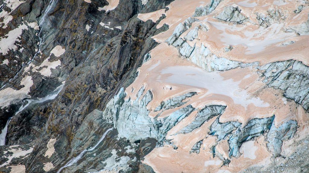 Los glaciares de Nueva Zelanda: por qué se están volviendo rosas