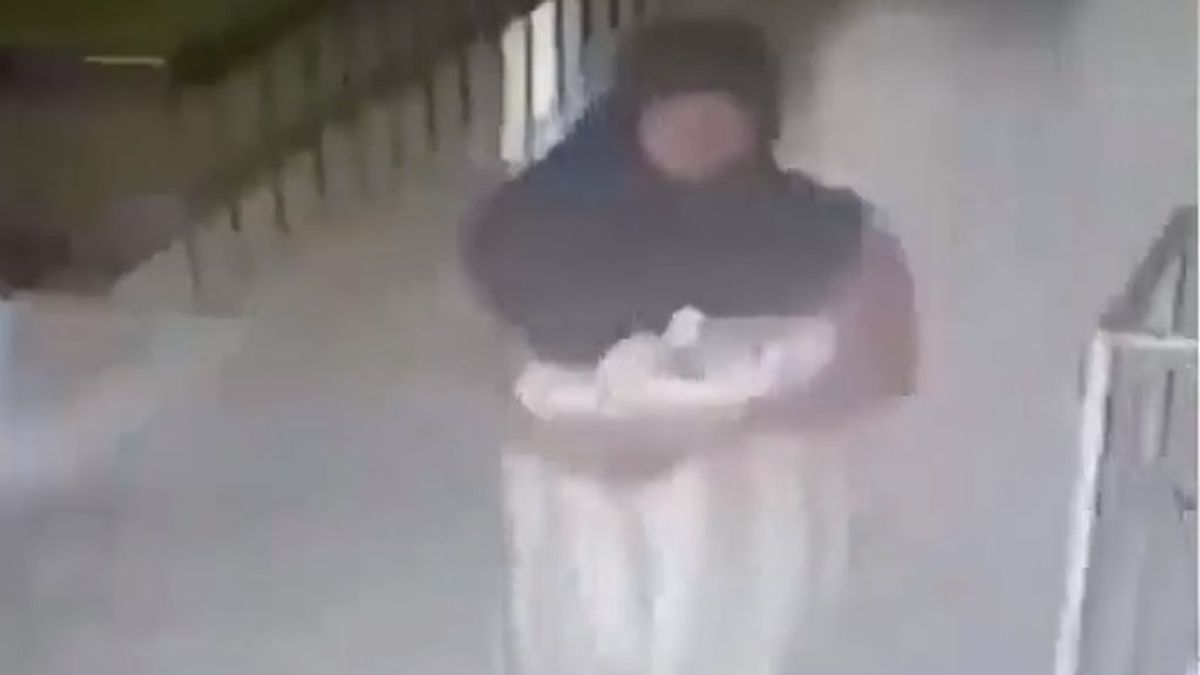 Una joven roba a un bebé de un hospital por temor a decirle a su marido que había sufrido un aborto involuntario