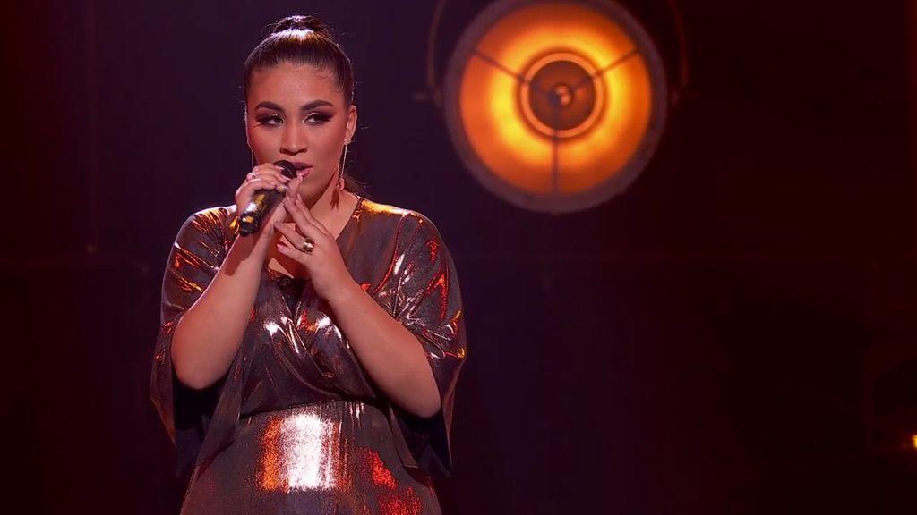 Aya Teyar supera todos sus complejos y compone una canción para todas las mujeres
