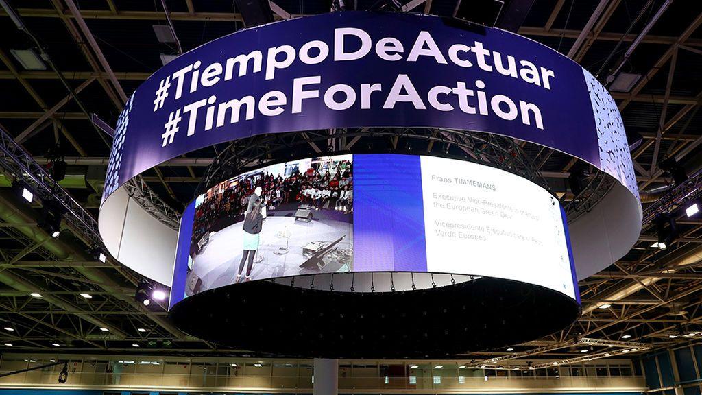 La Cumbre del Clima retrasa su clausura: noche en vela y negociaciones atascadas, después de dos semanas