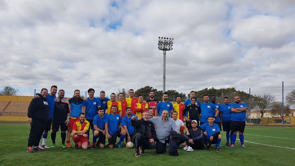 Gitanos y Guardias Civiles se enfrentan en un partido de fútbol en Dos Hermanas