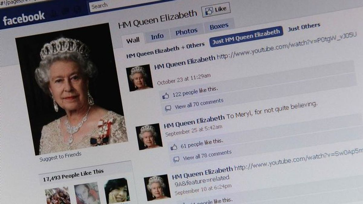 Un trabajo para 'coronarse': la Reina de Inglaterra busca Community Manager