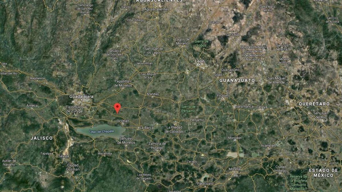Encuentran 50 cadáveres en una finca en México