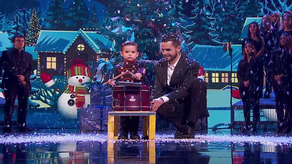 Hugo y su tambor hace más mágica la Navidad con un villancico lleno de amor