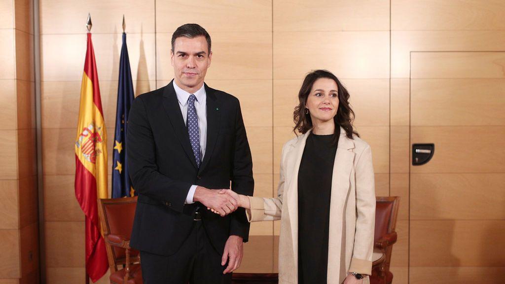 Arrimadas y Pedro Sánchez en el Congreso
