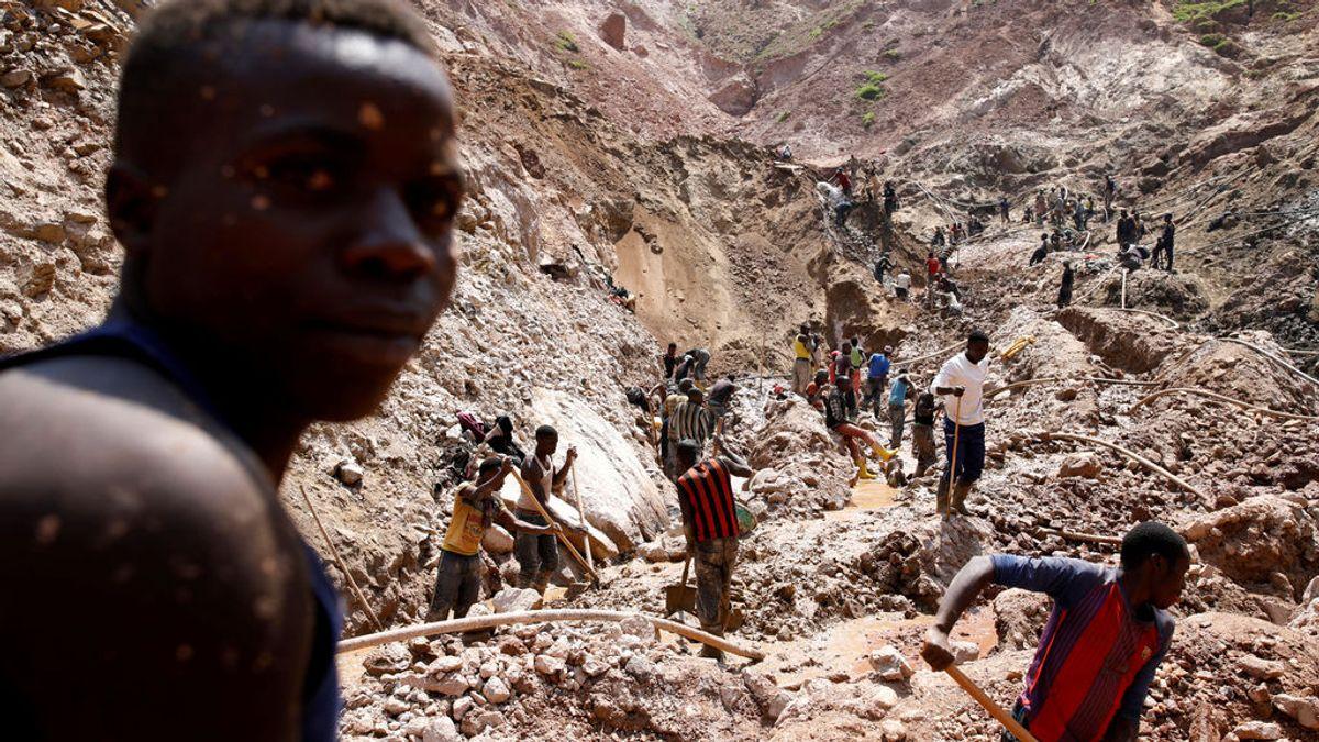 Familias de 14 menores muertos en una mina de cobalto de RDC demandan a Apple, Google y otras tecnológicas